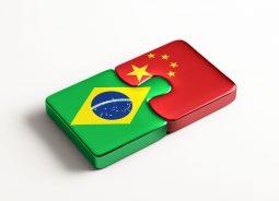 Brasil e China criam fundo de cooperação de US$ 20 bi para infraestrutura