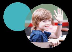Pulseira inteligente contribui com protocolos de segurança na retomada das aulas