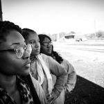 Programa de capacitação gratuito seleciona mães da periferia para aprenderem profissões digitais