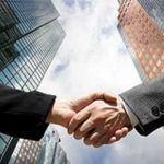 executivos fecham negócios