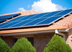 Brasil está entre os 30 países do mundo que mais usam energia solar