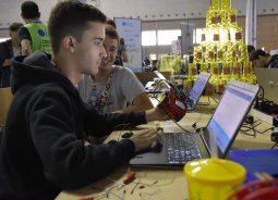 Inatel leva para a Campus Party competição de arduino, palestras e games