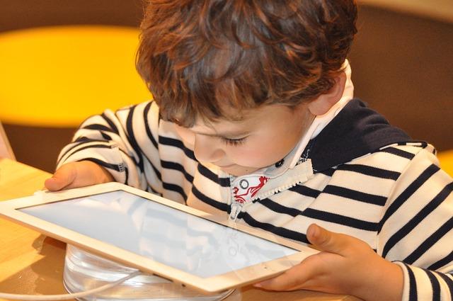 NIC.br sedia evento do Unicef sobre IA e uso das TIC por crianças e adolescentes