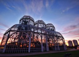 Curitiba lidera ranking de cidades inteligentes no Brasil