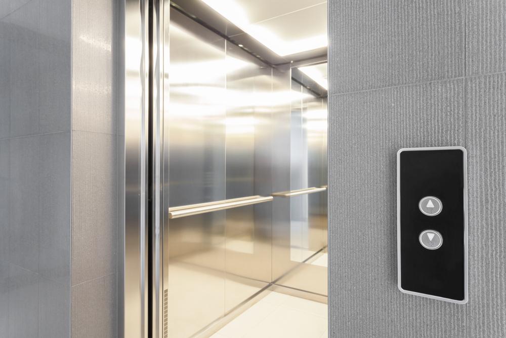 Atlas Schindler incorpora IoT aos elevadores e escadas rolantes