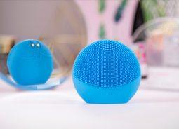 FOREO lança escova facial ultra higiênica com inteligência artificial