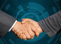 Ramo Sistemas implementa remota e gratuitamente R-One para clientes