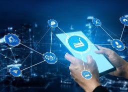 Infosys e ServiceNow firmam parceria para atender indústrias de manufatura