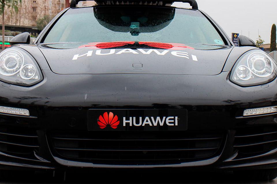 Huawei revela módulos de carros inteligentes com a marca Huawei Inside