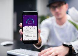 Aplicativo lança sistema gratuito de qualificação profissional