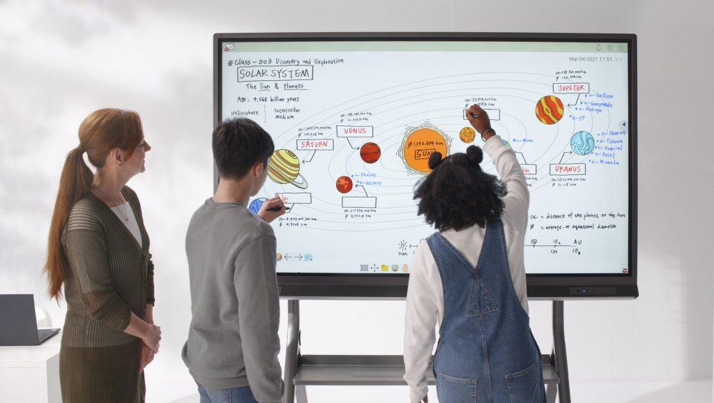 ViewSonic lança display para salas de aula interativas