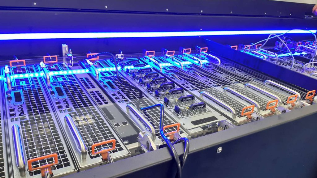 Intel e Submer desenvolvem resfriamento de Data Center por imersão