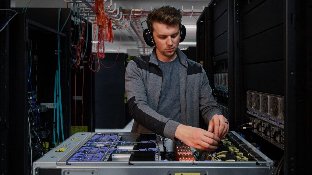 IBM apresenta nova geração de servidores para Nuvem híbrida