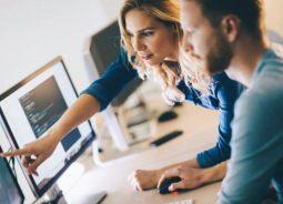 InterSystems e Unqork firmam parceria para acelerar a inovação no mercado financeiro